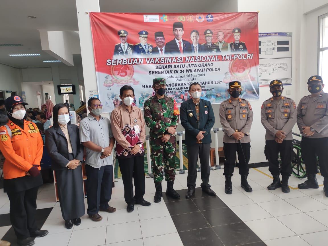 Serbuan vaksinasi TNI-Polri di Kabupaten Paser